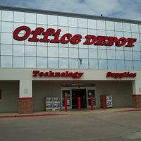 Photo taken at Office Depot by whois101 on 5/17/2011
