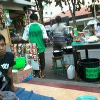 Photo taken at Lesehan Warung Kopi by Samnisful A. on 6/22/2012