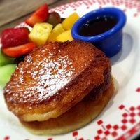 Photo taken at La Boulangerie de San Francisco by Mel N. on 10/22/2011