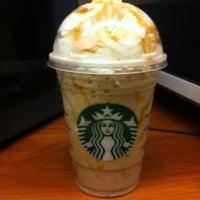 Photo taken at Starbucks by Elvis P. on 8/3/2011