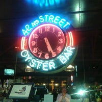 Photo taken at 42nd St Oyster Bar by Flores N. on 1/26/2012