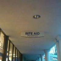 Foto tirada no(a) Rite Aid por Holland M. em 1/11/2012