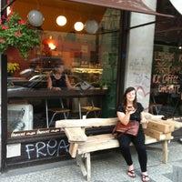 Photo taken at Cafe Vescovi by Martin P. on 8/26/2011