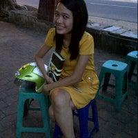 Photo taken at Martabak Bangka Dewi Sri by Naluw S. on 12/25/2011