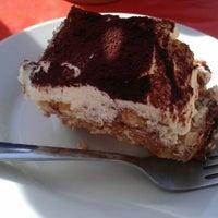 3/9/2012 tarihinde Gabe M.ziyaretçi tarafından Pizza Nostra'de çekilen fotoğraf
