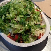 Photo taken at Chipotle Mexican Grill by 💛💙💔 Diana on 9/6/2012