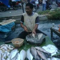 Photo taken at Pasar IKAN by Irfan N. on 9/14/2011