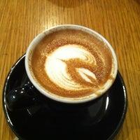 Снимок сделан в Variety Coffee Roasters пользователем Eileen W. 4/21/2012
