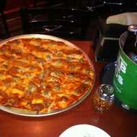 Photo prise au Blarney Stone Bar & Grill par Michelle W. le4/29/2012