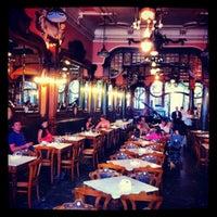 Foto tirada no(a) Majestic Café por Daniel M. em 7/17/2012