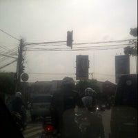 Photo taken at Lampu Merah Srengseng-Pesanggrahan by The_ZPR<ZH3P4_R41D3R5> I. on 3/30/2012