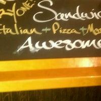 11/6/2011에 The Handsome1님이 Potbelly Sandwich Shop에서 찍은 사진