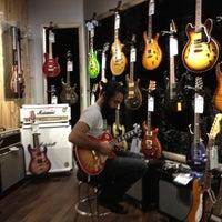 Photo taken at Guitar Center by Lynnwood K. on 8/31/2012