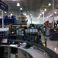 Photo taken at Best Buy by Marcelo M. on 1/18/2012