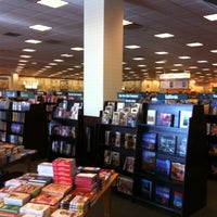 Photo taken at Barnes & Noble by uju k. on 12/27/2010