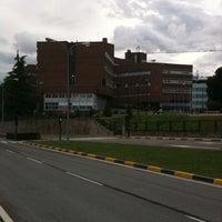 Photo taken at Farmacia - Universidad de Navarra by JAF on 4/24/2011