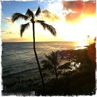 Foto tomada en Poipu Beach por Michael M. el 8/29/2011