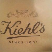 Foto tomada en Kiehl's por Elena R. el 8/26/2012