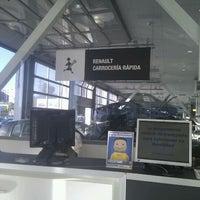 Foto tomada en Renault Retail Group Avenida De Burgos por Veronica L. el 9/20/2011