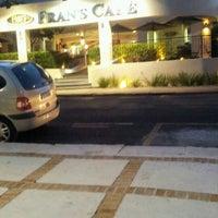 Foto diambil di Fran's Café oleh Fernandinho A. pada 5/10/2012