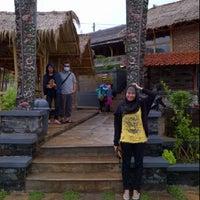 Photo taken at RM. Unti bebek & ayam by Listkanisa R. on 3/2/2012