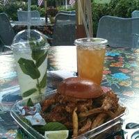 5/18/2012にAmeena M.がSalamanders on Front Restaurantで撮った写真