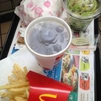 Photo taken at McDonald's by Taro T. on 7/2/2012