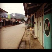 รูปภาพถ่ายที่ ถนนคนเดินปาย โดย Tah S. เมื่อ 8/12/2012