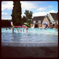 Foto tomada en Sellwood Pool por Annie F. el 8/8/2012