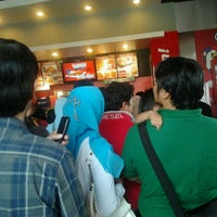 Photo taken at KFC by HerriAbdulkadir on 9/1/2011
