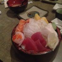 3/4/2012 tarihinde Seaera R.ziyaretçi tarafından Domo Sushi'de çekilen fotoğraf