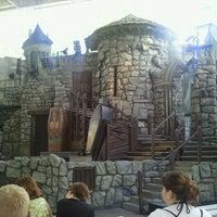 Foto diambil di Beetlejuice's Graveyard MashUp oleh Tyler R. pada 9/11/2011