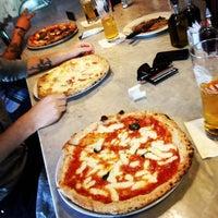 Снимок сделан в Settebello Pizzeria пользователем David R. 5/8/2012