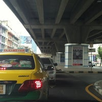 Photo taken at Ratchada-Lat Phrao Intersection by Daow Ja D. on 6/1/2012