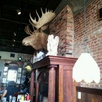 Foto diambil di Sidetrack Bar & Grill oleh Stephanie W. pada 2/19/2012