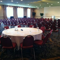 Photo taken at Holiday Inn Sioux Falls-City Centre by Jo T. on 5/15/2012