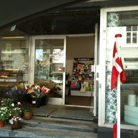 Photo taken at Søndergades Kaffe & The by Lasse B. on 5/5/2012