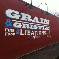 Foto tomada en Grain & Gristle por Natalie W. el 2/19/2012