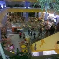 Foto tirada no(a) Shopping Center Penha por Neandinha O. em 1/2/2012