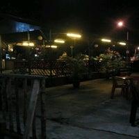 Photo taken at Restoren Bawah Pokok by Zulfahmy j. on 12/21/2011