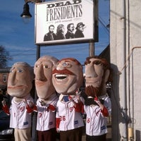 Photo taken at Dead Presidents Pub & Restaurant by James Y. on 2/20/2012