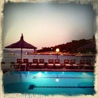Photo prise au Samara Hotel par Ziad M. le8/18/2011