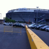 Photo taken at Meadowlands Racing & Entertainment by Liz M. on 6/9/2012