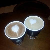 5/7/2012 tarihinde Emrah T.ziyaretçi tarafından Gloria Jean's Coffees'de çekilen fotoğraf