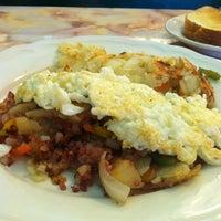 Photo taken at Z-7 Classic Diner by ✨🎶La Toya L. on 6/30/2012