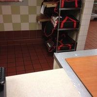 Photo taken at Pizza Hut by Mi on 9/9/2012
