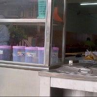 Photo taken at Restoran Sri Kelantan by Resakse on 1/9/2012