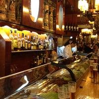 6/12/2012にRaul L.がEl Vaso de Oroで撮った写真