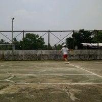 Photo taken at lapangan tenis sriwijaya by Ryzhelia R. on 10/28/2011
