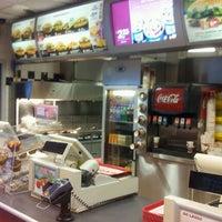 Foto scattata a Burger King da Robin 2. il 10/11/2011